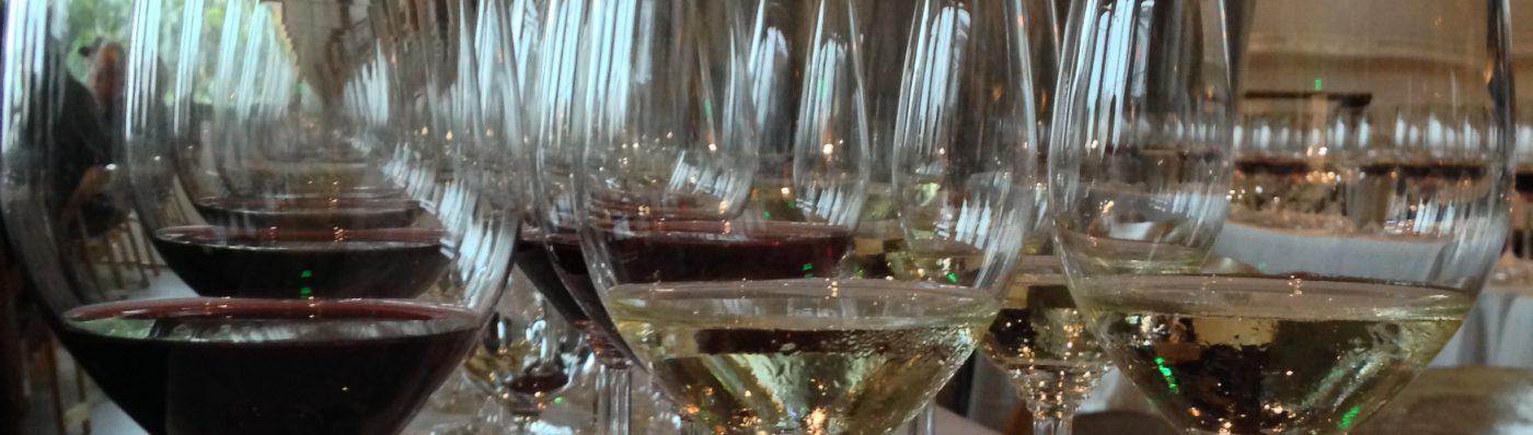 CURIOUS WINE DRINKER